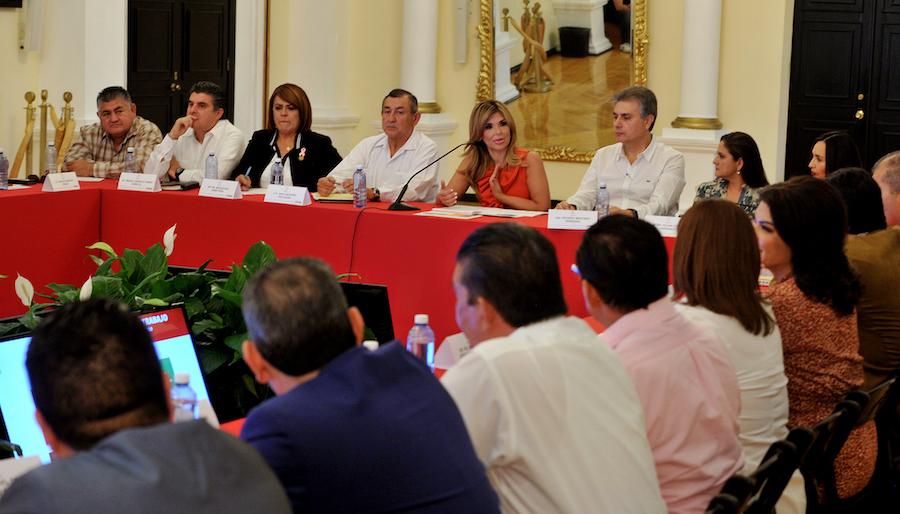 Hacen equipo Gobernadora Pavlovich, alcaldes, legisladores locales y federales para traer más recursos para Sonora