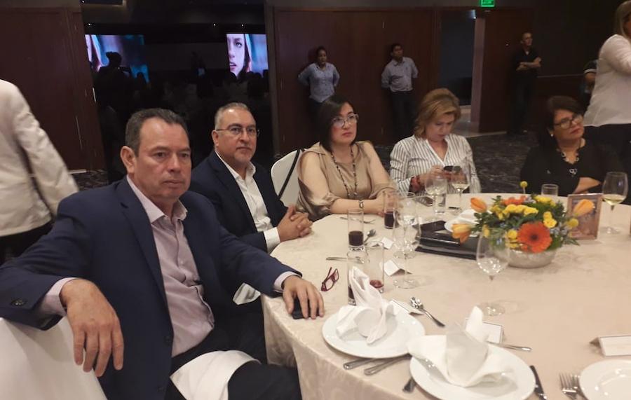 """Asisten diputados del PES, a promoción de la película """"Inesperado"""" para apoyar el derecho a la vida"""