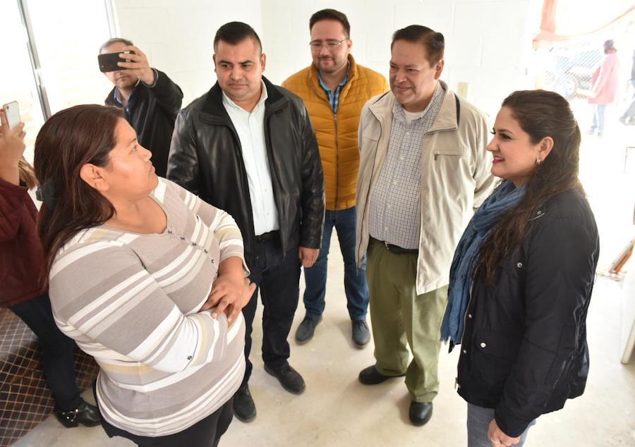 Responde alcaldesa Celida López a necesidades sociales de Hermosillo